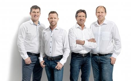 vollbad badsanierung team 4 Handwerker